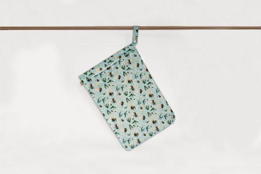 Little Lamb Hanging wet bag, stor PUL-påse med humlor.