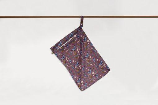 Little Lamb Hanging wet bag, stor PUL-påse med fjärilar